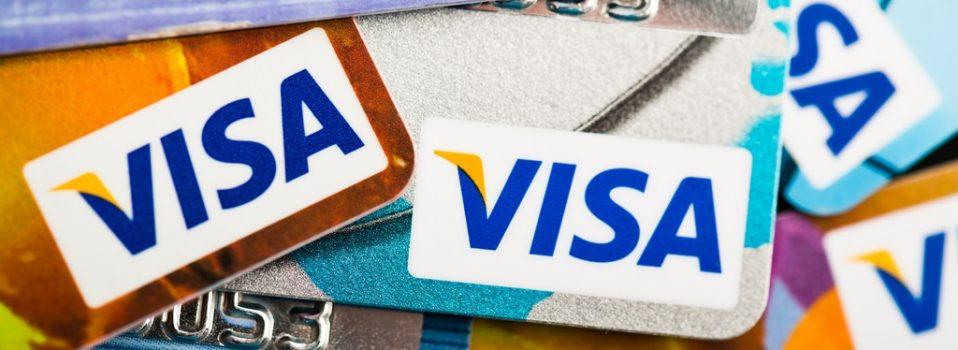 Karta debetowa a kredytowa – czym się różnią?